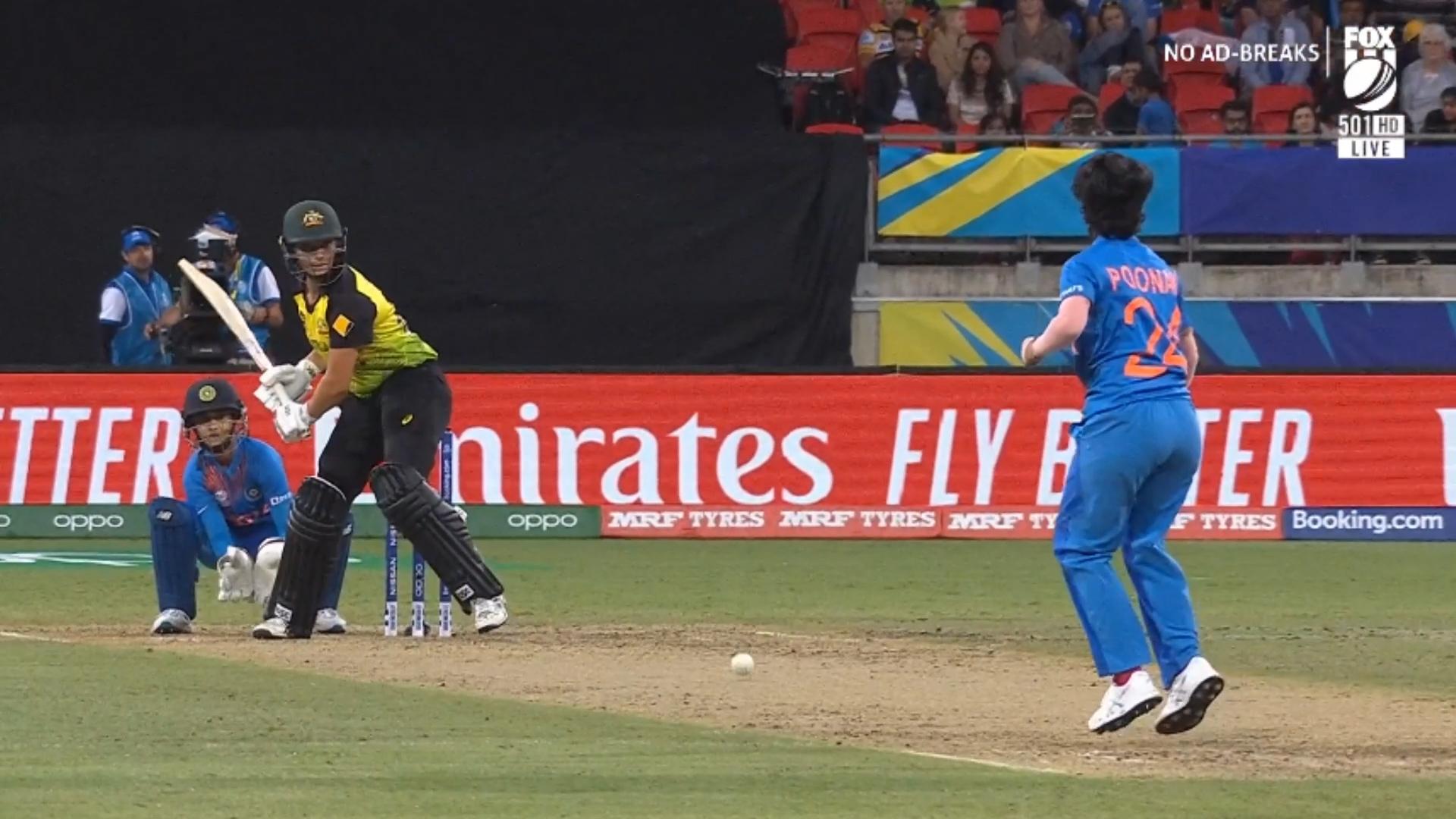 Australia struggle to score
