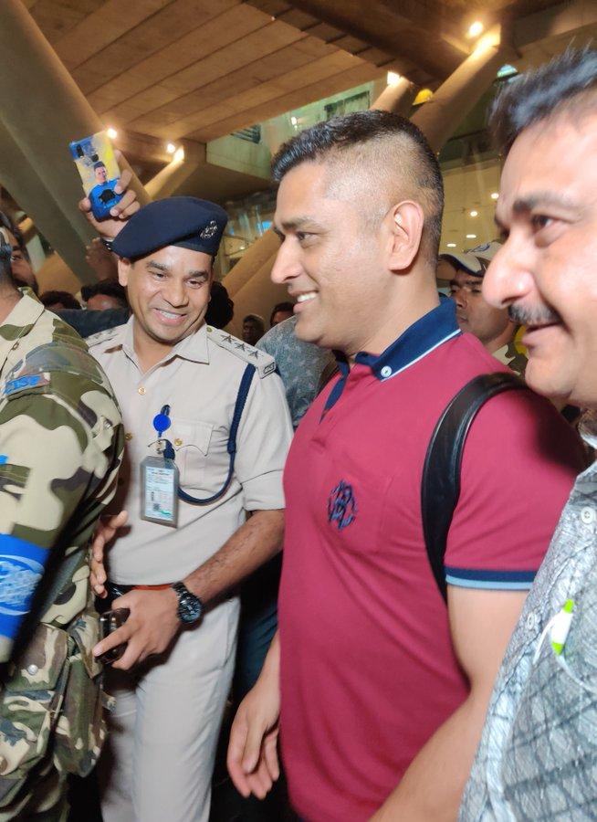 Chennai celebrates on Dhoni's arrival