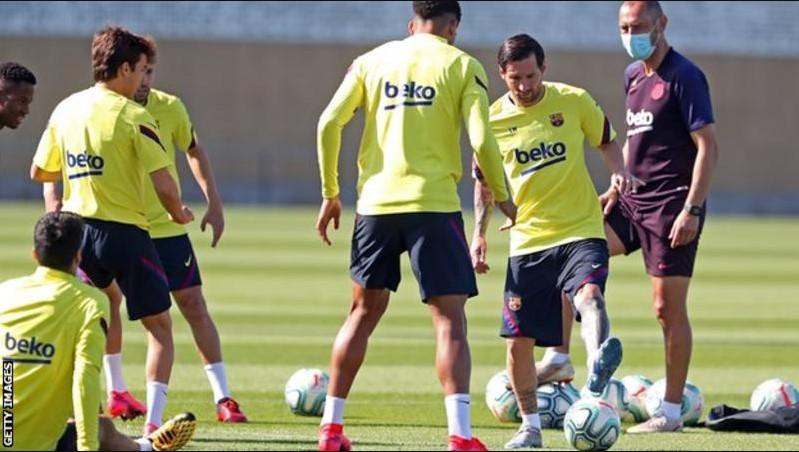 la liga football players started training